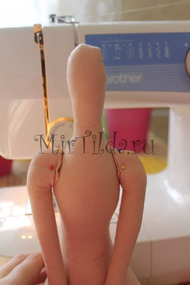 Пришиваем ручки ангела к тельцу