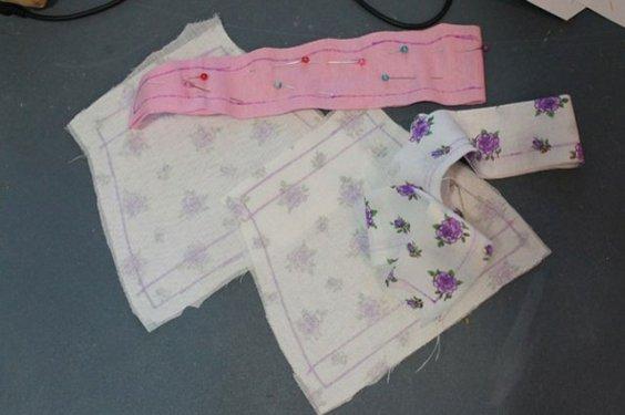 Скалываем ткань булавками