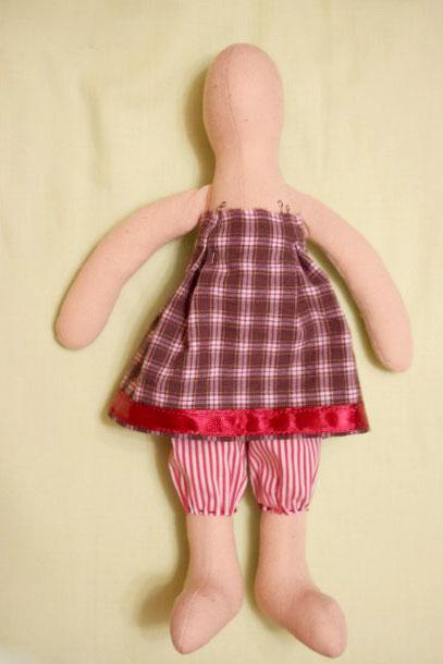 Выкройка штанов для куклы