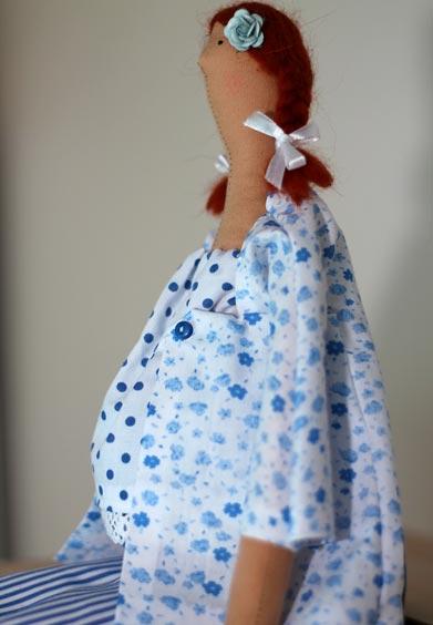 Беременная тильда в рубахе