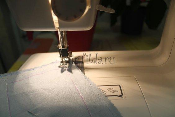 Прострачиваем ткань по выкройке